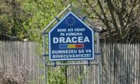 Indicatorul de la intrarea in comuna Dracea.