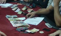 Seful de post din Segarcea joaca poker cu hotu hotilor
