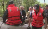 L.Dragnea se plimba ca un pasa cu barca trasa de pompieri.Acesta-i Teleormanul.