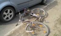 Intre bicicleta si masina e o  singura invingatoare:masina.