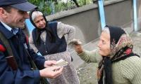 Un salariat ( postasul) sustine 2,3 pensionari in Teleorman.