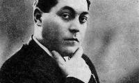 Zavaidoc, celebrul lautar roman, a locuit o vreme la Turnu Magurele.