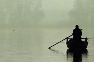 Pescar in barca.