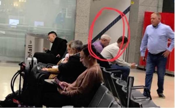 Dragnea, fotografiat in aeroportul din Viena.